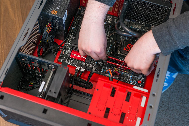 kompjuteri-servis-odrzavanje-održavanje'servis